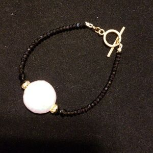 Jewelry - Black jet beads w/white pearl center, gold toggle
